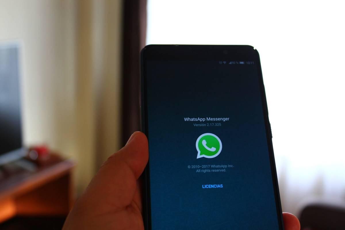 Podrían hackearte tu teléfono móvil desde el WhatsApp